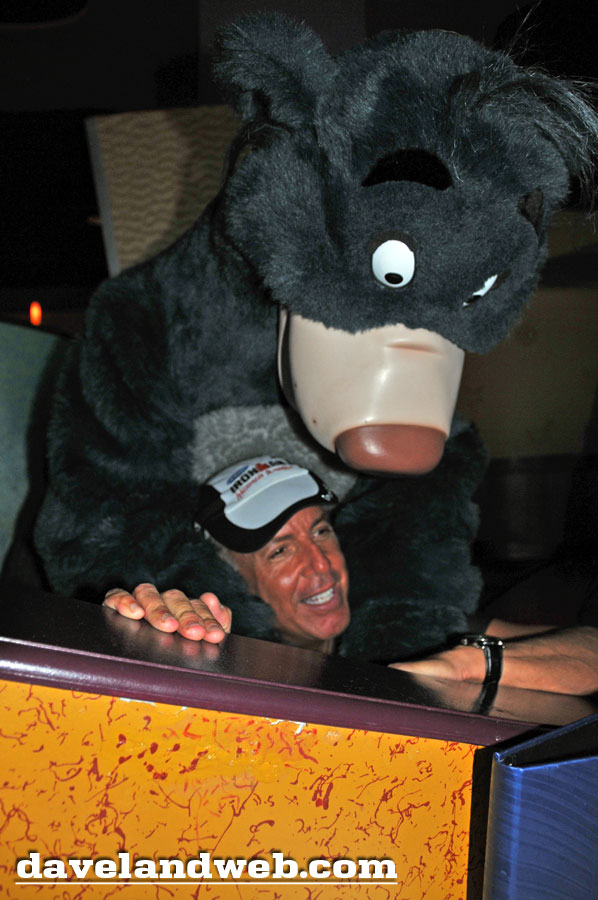 Disneyland Hotel Baloo photo at Goofy's Kitchen, September 2011