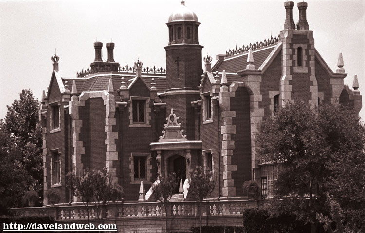 WDW Haunted Mansion Photo Page at Daveland