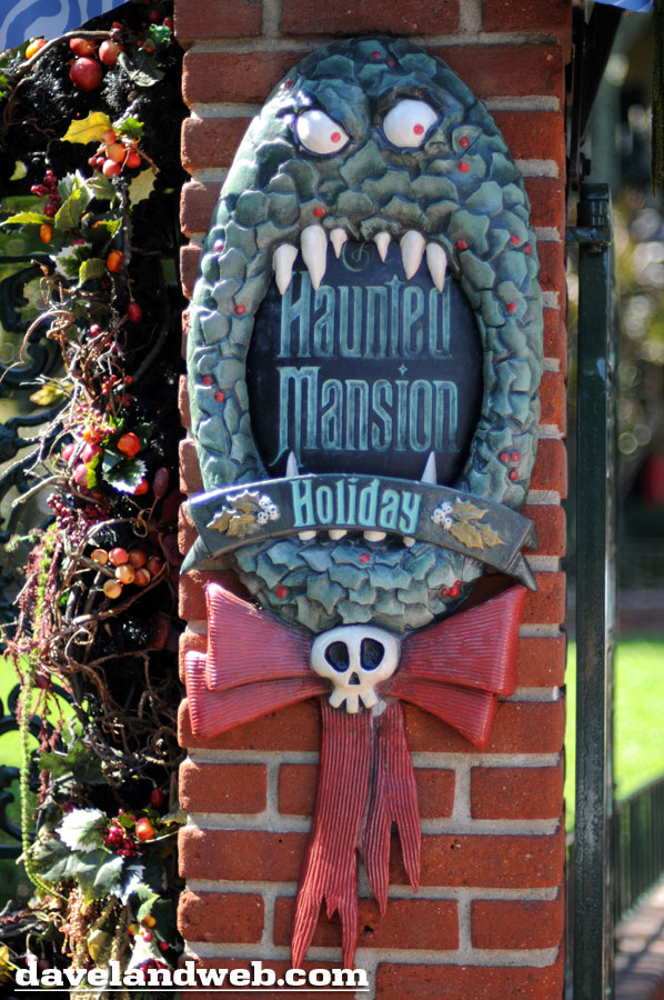 Daveland Haunted Mansion Holiday Photo Page